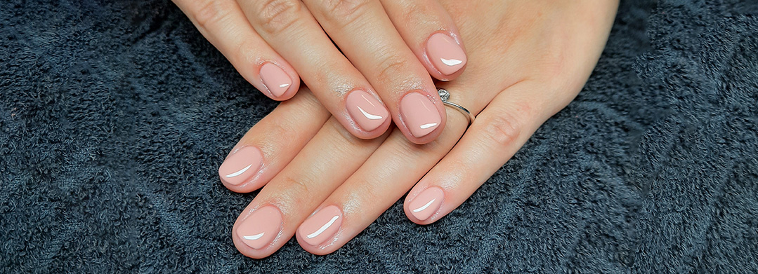 Elite Nails nail salon – Csaba Tarjanyi manicurist - manicure, nail, gel-polish